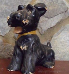 Scottie Scottish Terrier Figurine / 1940's era Ceramic Black Scottie Figurine